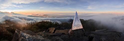 Bình minh trên đỉnh Fansipan