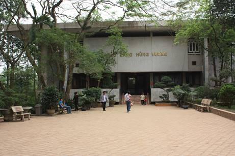 Bảo tàng Hùng Vương thuộc khu di tích đền Hùng