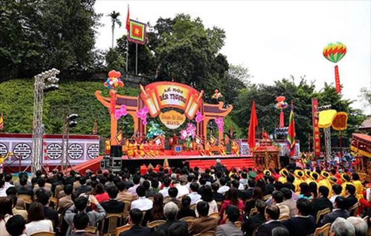 Sân khấu Lễ hội đền Thượng
